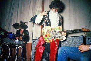Yardbirds 1968 Live, Jimmy Page on Bow